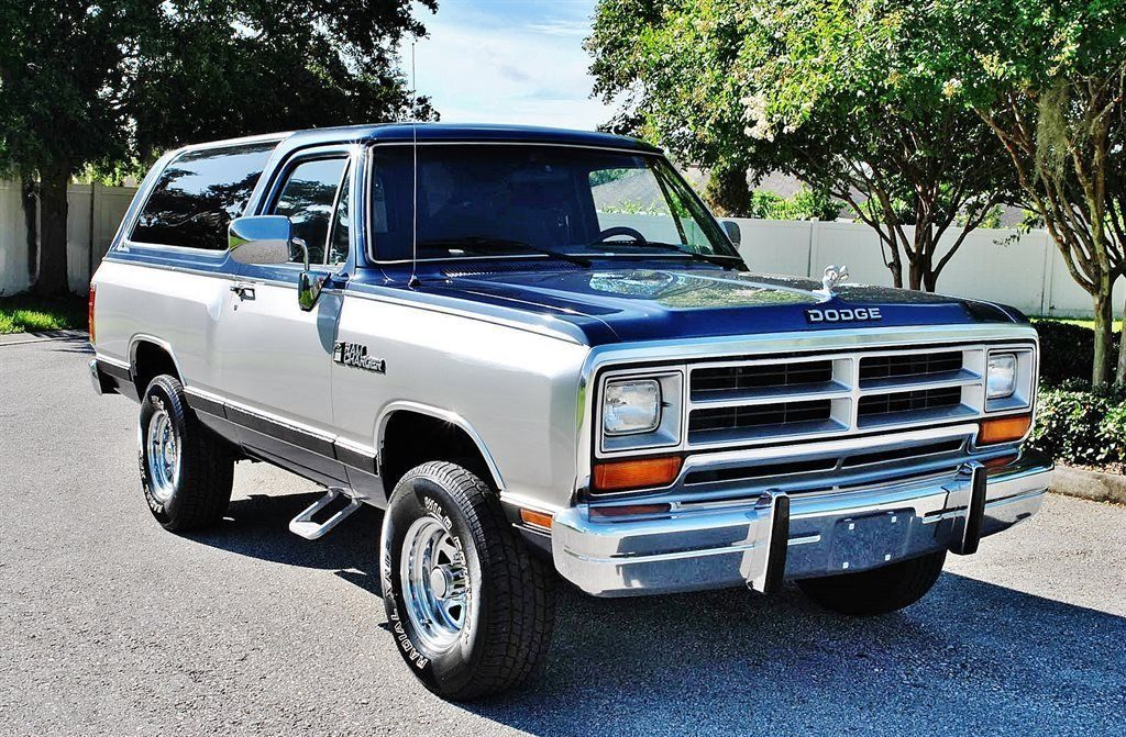 Dodge Ramcharger фото